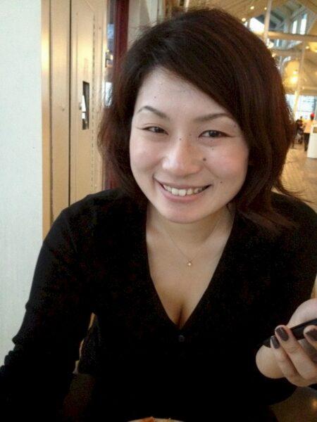 Belle femme libertine asiatique propose unevéritable rencontre pour de la baise
