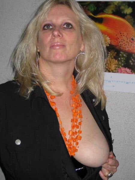 Femme cougar sexy que pour des hommes sur Caluire-et-Cuire
