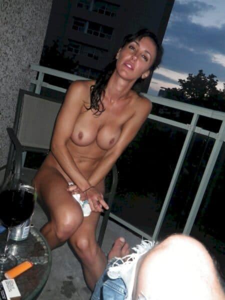 Salope sexy cherche son libertin sur l'Hérault
